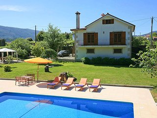 4 bedroom Villa in Rosmaninho, Viana do Castelo, Portugal : ref 5604743