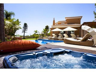 4 bedroom Villa in Benagil, Faro, Portugal : ref 5491347