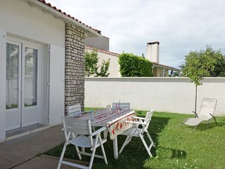 3 bedroom Villa in Pontaillac, Nouvelle-Aquitaine, France : ref 5518591