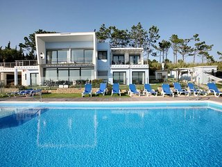 5 bedroom Villa in Foz do Arelho, Leiria, Portugal : ref 5491535