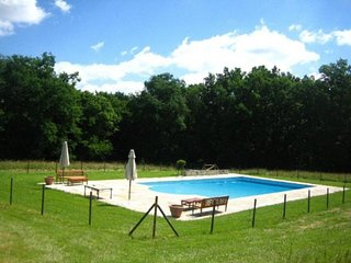 15 bedroom Villa in Ambrus, Nouvelle-Aquitaine, France : ref 5491528