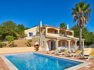 3 bedroom Villa in Estói, Faro, Portugal : ref 5604858