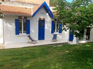 2 bedroom Villa in Saint-Palais-sur-Mer, Nouvelle-Aquitaine, France : ref 553339