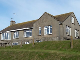 5 bedroom detached house in the heart of Hope Cove with outstanding sea views