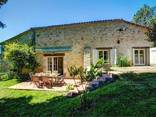 4 bedroom Villa in Marcus, Nouvelle-Aquitaine, France : ref 5604574