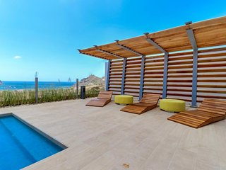 Long-term discounts: Ocean-view home by beach w/private pool, beautiful terrace!