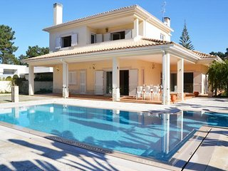 5 bedroom Villa with Pool and WiFi - 5491652