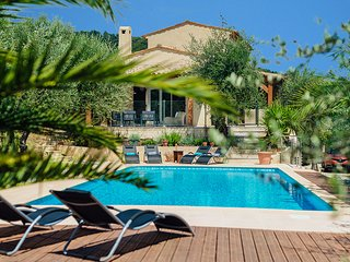 4 bedroom Villa in Saint-Marc-Jaumegarde, Provence-Alpes-Cote d'Azur, France : r