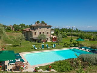 6 bedroom Villa in Pieve di San Pancrazio, Tuscany, Italy - 5604649