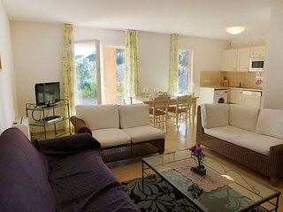 2 bedroom Apartment in La Garonnette-Plage, Provence-Alpes-Côte d'Azur, France :