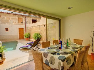 Pollenca Villa Sleeps 6 with Pool Air Con and WiFi - 5604682