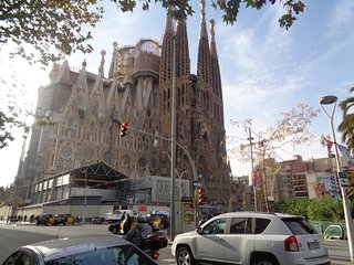 Sagrada Familia Big flat for 8 guests