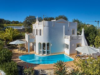 3 bedroom Villa in Bordeira, Faro, Portugal : ref 5604850