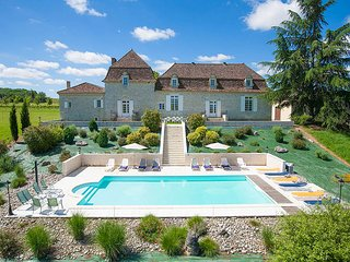 5 bedroom Villa in La Calevie, Nouvelle-Aquitaine, France : ref 5604568