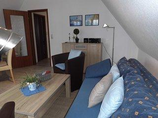 Ferienhaus Gallileo, Wohnung 2 - Backbord - am Hafen Laboe -  im 1.OG mit Balkon