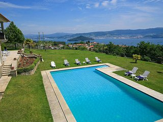 6 bedroom Villa in Samieira, Galicia, Spain : ref 5604615
