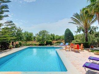 Cala Ferrera Villa Sleeps 4 with Pool and WiFi - 5604699