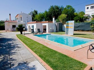 4 bedroom Villa in Estibeira, Faro, Portugal : ref 5491349