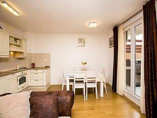2 bedroom Apartment in Dubrava, Splitsko-Dalmatinska Županija, Croatia : ref 549