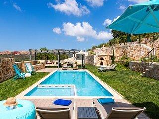 4 bedroom Villa in Akhladhes, Crete, Greece : ref 5491692