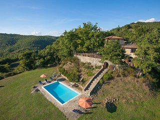 4 bedroom Villa in Montale, Tuscany, Italy : ref 5604628