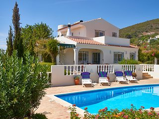 3 bedroom Villa in Santa Barbara de Nexe, Faro, Portugal : ref 5604851