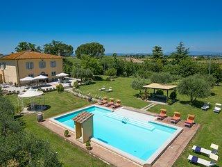 6 bedroom Villa in Fratticciola, Tuscany, Italy : ref 5604650