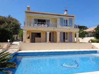 4 bedroom Villa in Sainte-Maxime, Provence-Alpes-Cote d'Azur, France : ref 54915