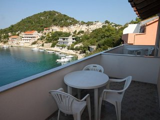 Lastovo Apartment Sleeps 4 with Air Con and WiFi - 5468258