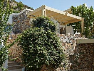 1 bedroom Villa in Mikri Vigla, South Aegean, Greece : ref 5491476