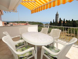 Bozava Apartment Sleeps 4 with Air Con - 5467907