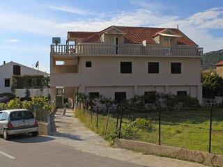 Komiza Apartment Sleeps 2 with Air Con and WiFi - 5469021