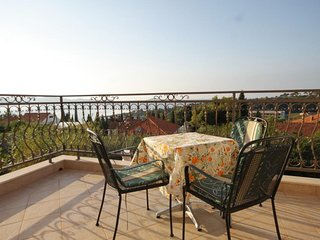 Brasina Apartment Sleeps 4 with Air Con and WiFi - 5468572