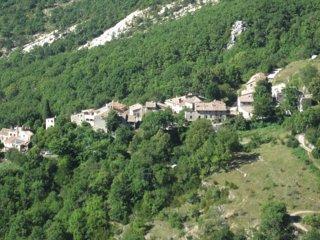 Vakantiehuis in bergdorp te huur in Alpes de Haute Provence