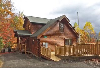 Convenient Log Cabin with Mountain View, 2 Suites, Arcade, Game Room, WIFI+More!
