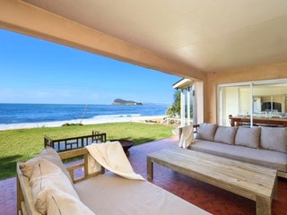 ABSOLUTE BEACHFRONT BEAUTY - PEARL BEACH