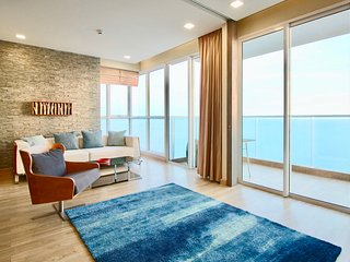 Dasiri Cetus 2BR Beachfront Condo 45th Floor