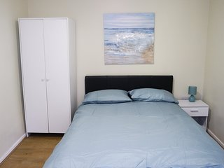 Jaylets Modern Double Bedroom 702 with Shared Kitchen, Bathroom & Parking