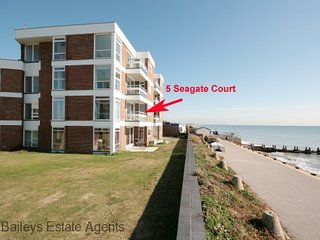 5 Seagate Court, East Wittering