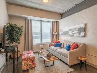 Upbeat 1br/1ba | Ritt Sq | Center City