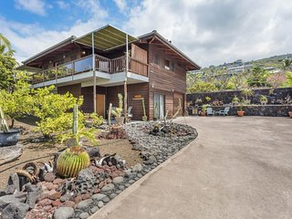 Tropical retreat 150 yards to ocean, no risk from current volcanic eruption