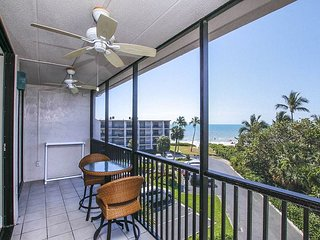 Gulf view top floor condo - Sundial B408