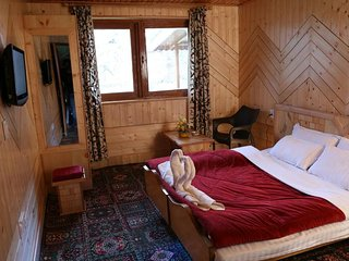 Tulip Cottage Pahalgam (Double Room 3)