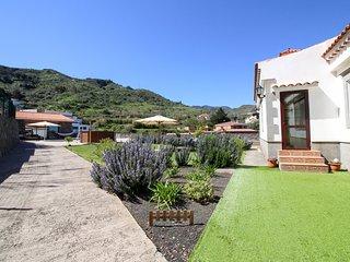 Villa Baez, Villa Rural con Piscina y Vistas del Valle