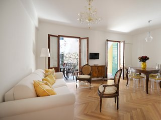 Alba - Elegant 1bdr for 4 people with terrace!