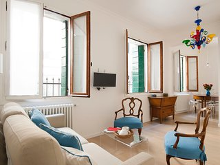Renata - Cozy 1bdr in Santa Croce area, Venice