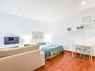 Apartment in the center of Madrid with Internet, Lift (911686)