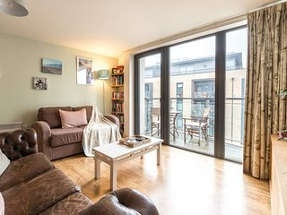 Beautiful 1Bed w/Private Balcony by Regent's Canal