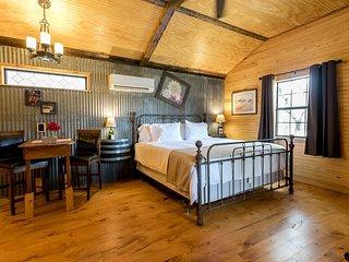 Bakery House Red Velvet | Fredericksburg Vacation Rental
