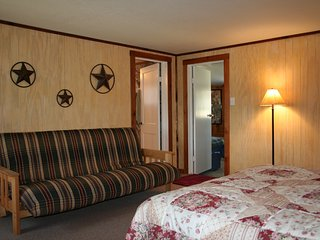 Flat Rock Ranch | Comfort Vacation Rental